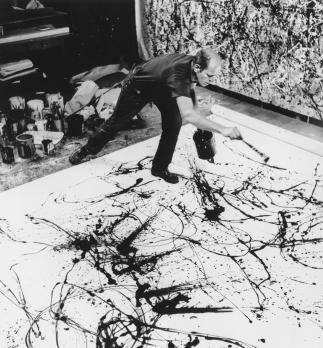 Pollock pintando en su estudio ©Hans Namuth