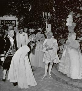 baile de jacques fath loifficiel 1951.png 2