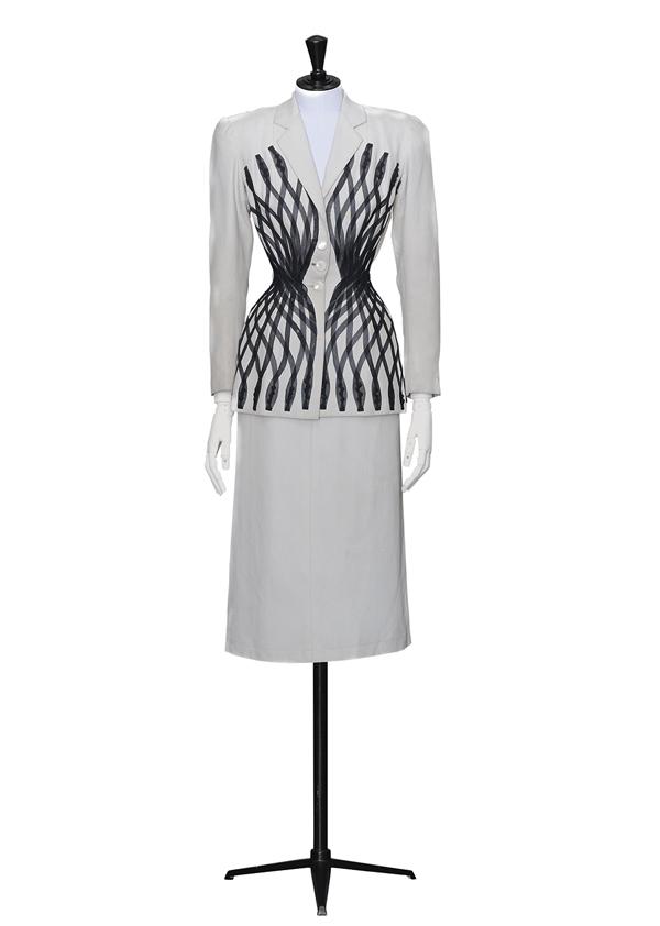 La Alta Costura francesa de los años 50 en el Museo de Bellas Artes ...